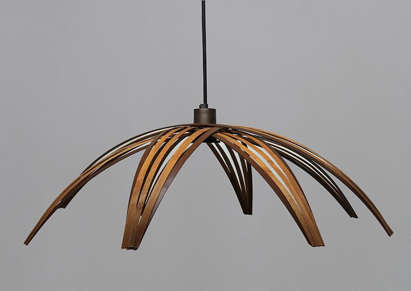 deckenlampe aus Baumbus-Holz