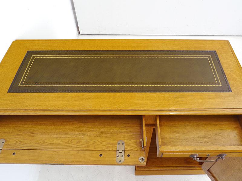 Draufsicht auf die Schreibtischplatte