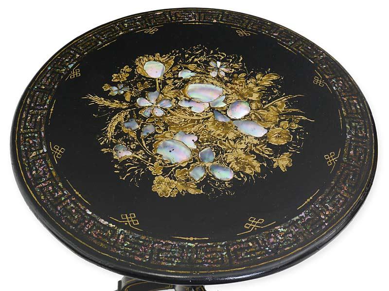 Detailansicht der runden Tischplatte
