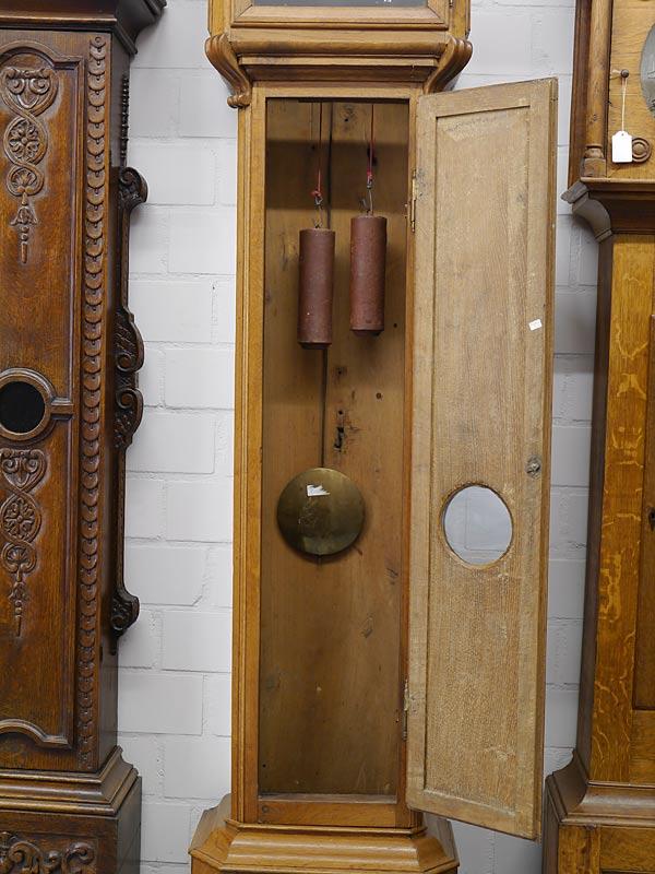 Geöffnete Tür des Gehäuses