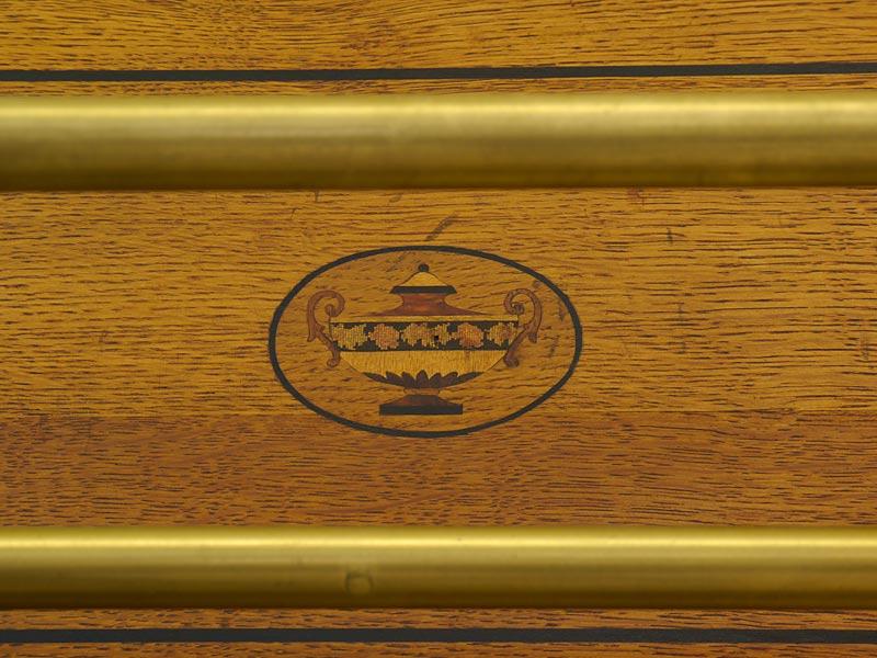 Detailansicht von den Intarsienarbeiten
