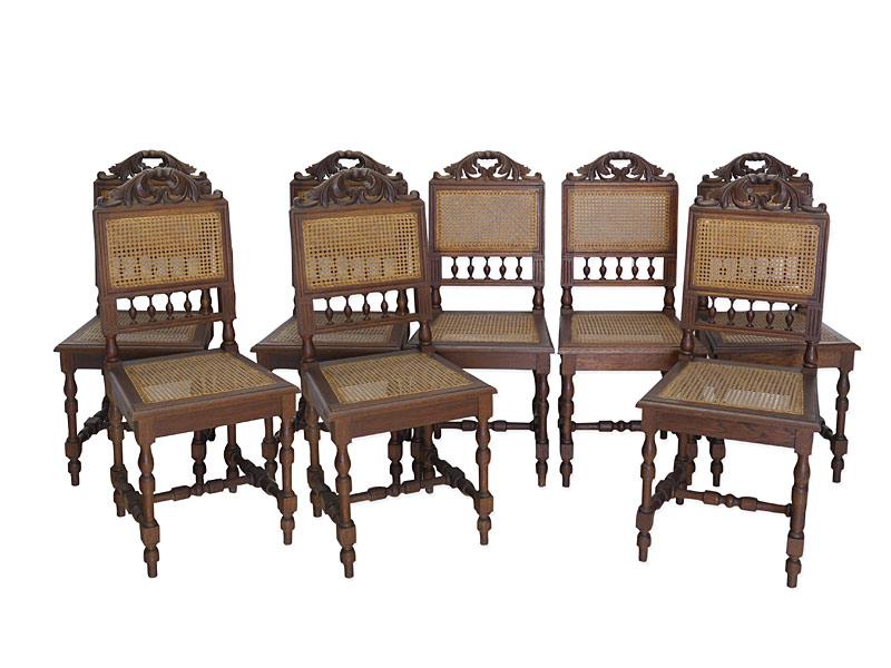8 Antike Lehnstühle