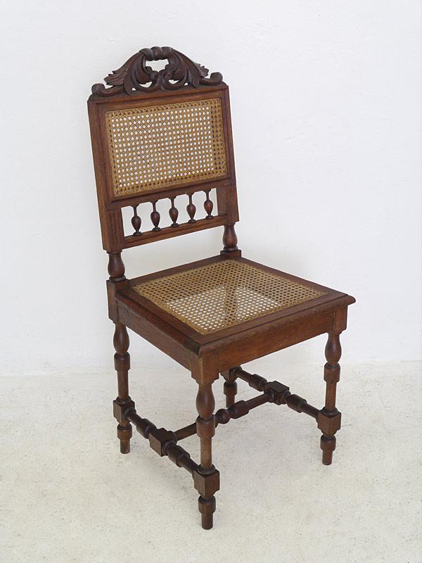 Seitenansicht vom Stuhl