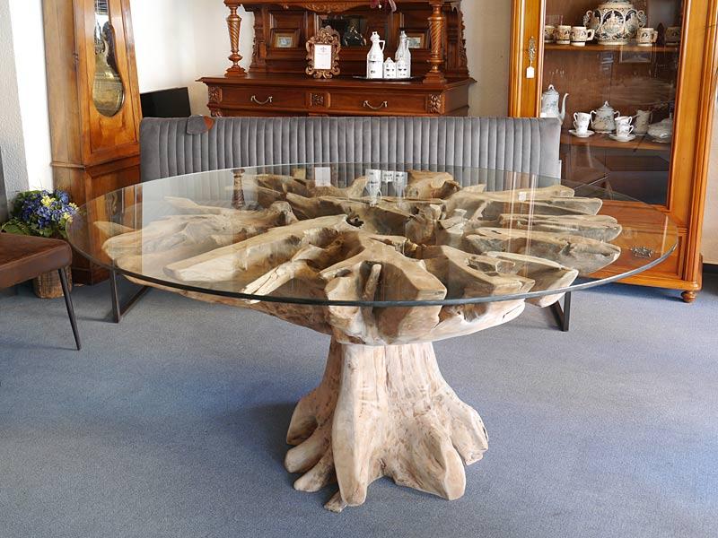 Runder Tisch im modernen Design
