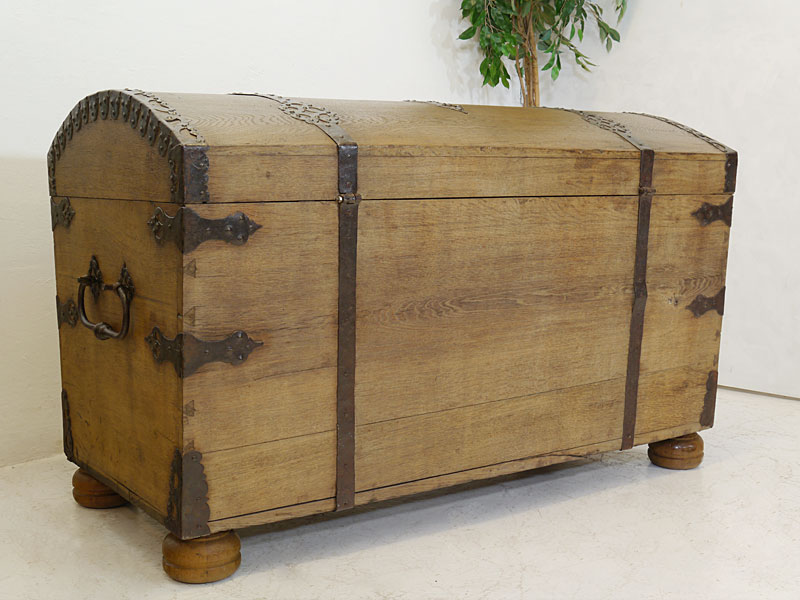 Truhe Runddeckeltruhe Holztruhe Aus Massiver Eiche 19 Jahrhundert