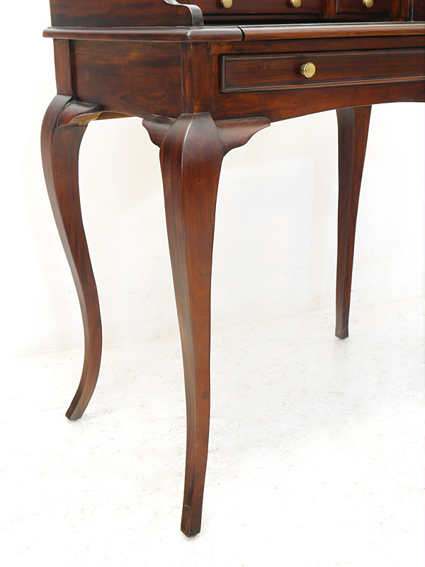 zierlicher schreibtisch sekret r damenschreibtisch massivholz rokoko stil 6569 schreibm bel. Black Bedroom Furniture Sets. Home Design Ideas