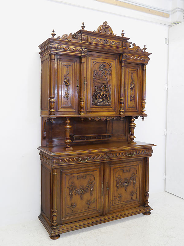 Gründerzeit Buffetschrank aus Nussbaum um 1880