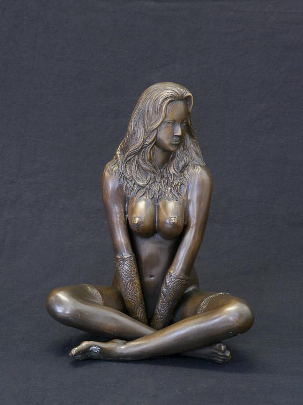 Erotischer Frauenakt aus Bronze