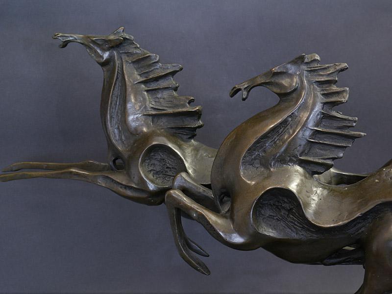Detailansicht von den Pferdeköpfen