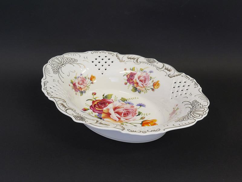 ovale Porzellanschale in weiß mit Rosendekor