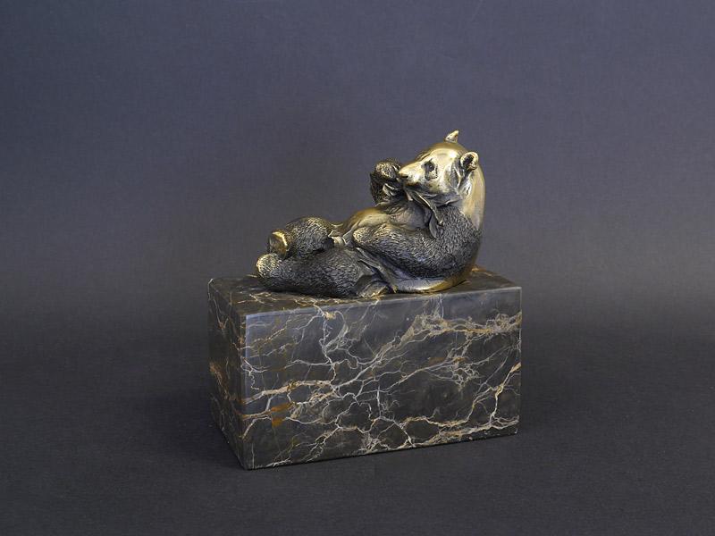 Pandabär Bronze auf einem Marmorsockel