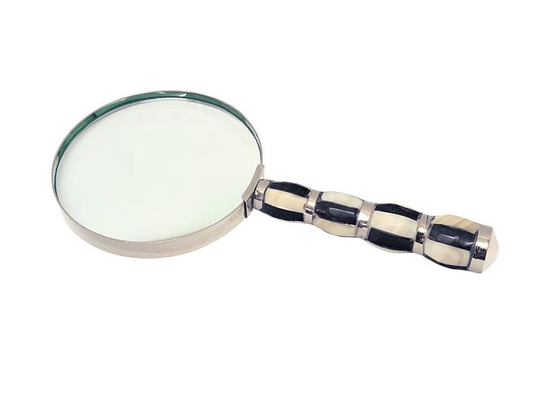 Lupe im antiken Stil in Perlmutt Optik
