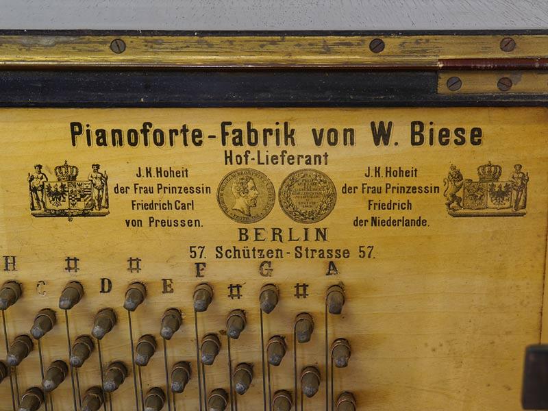 Etikett von dem Hoflieferanten W. Biese