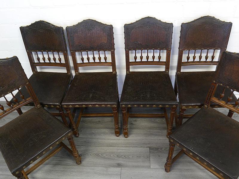 Draufsicht auf alle 6 Stühle