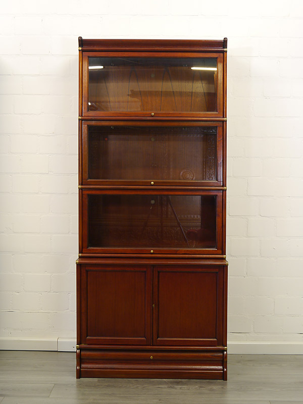 Steckbares Bücherregalsystem