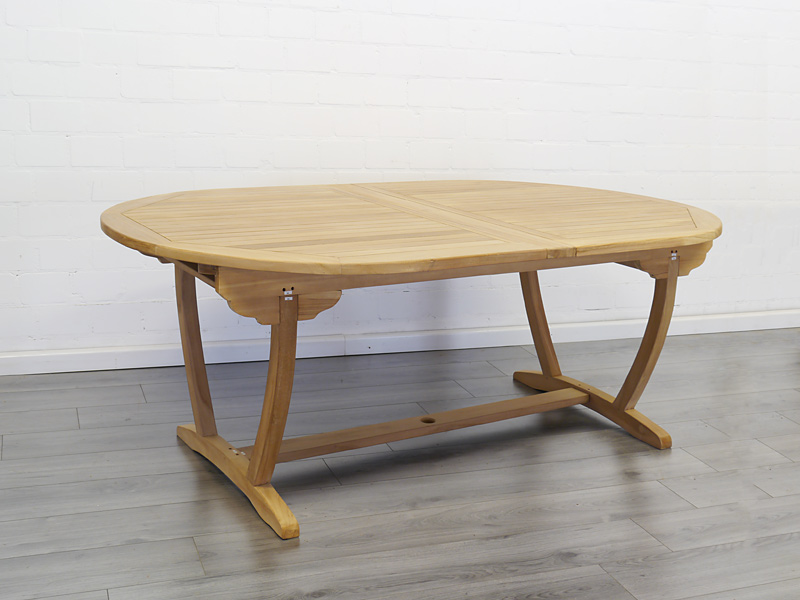Gartentisch aus massiven Teakholz