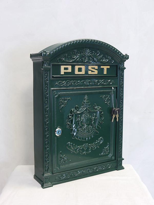 Nostalgischer Wandbriefkasten aus Aluguss in grün