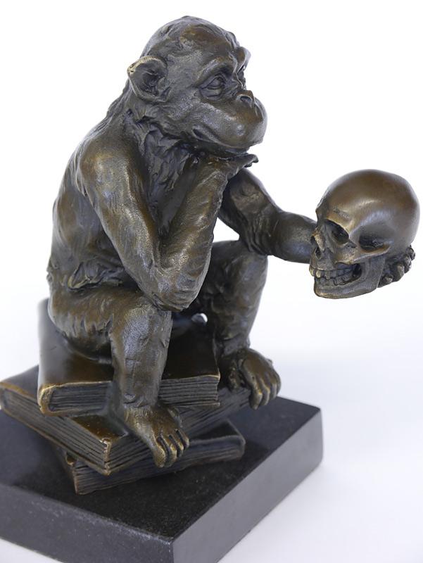 Detailansicht von der Bronze Figur