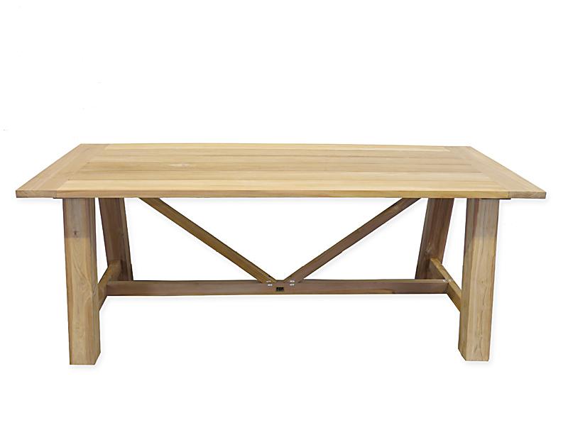 Der Tisch kann auch als Esstisch genutzt werden