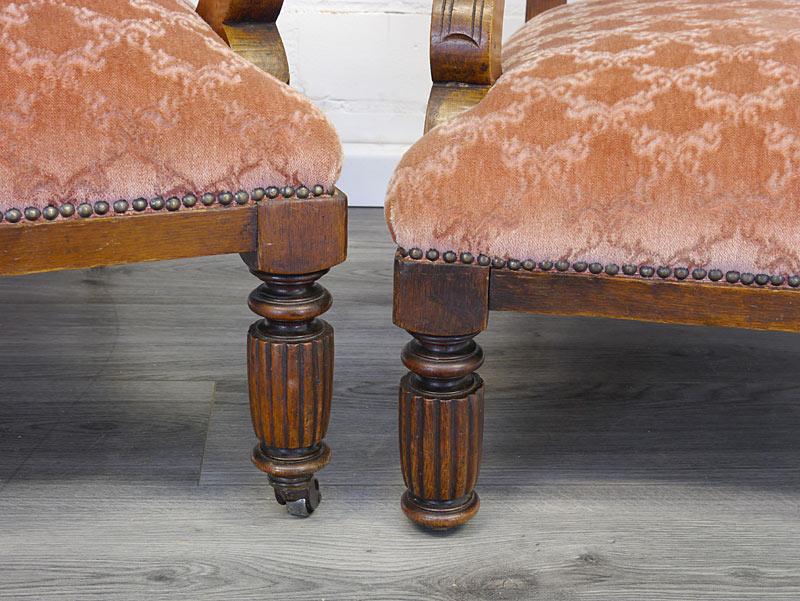 Detailansicht von den Sesselbeinen