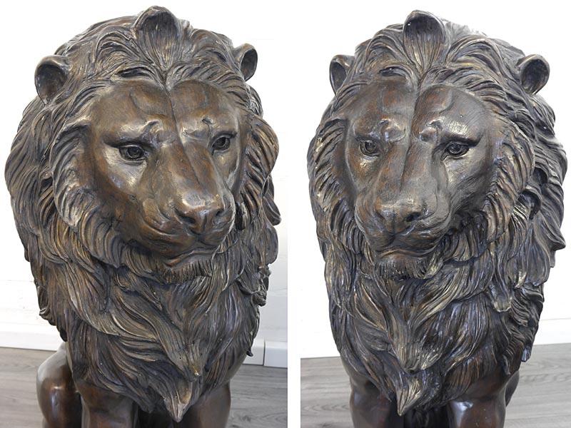 Nahaufnahme von den beiden Löwenköpfen