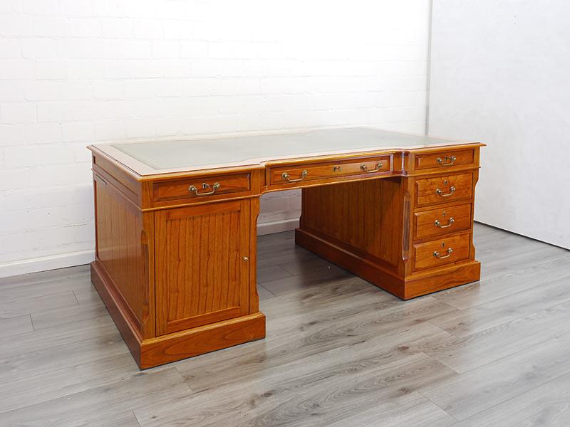 Partner-Schreibtisch im englischen Stil Mahagoni hell