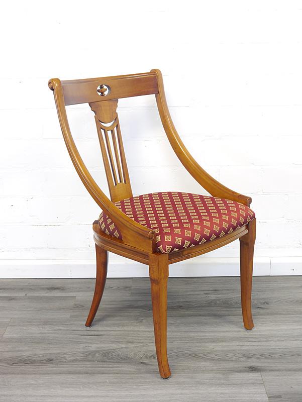 Stuhl aus Buchenholz im Kirschbaum-Farbton