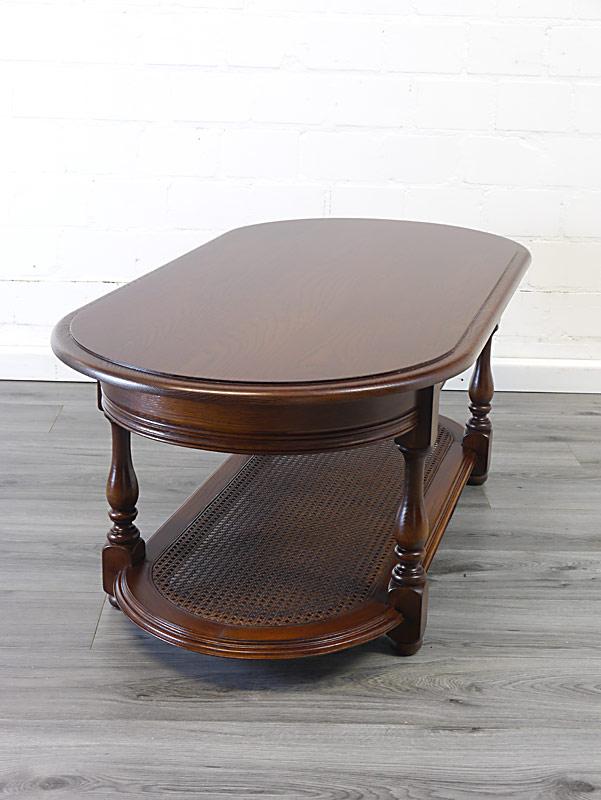 Tisch mit Zwischenablage aus Geflecht