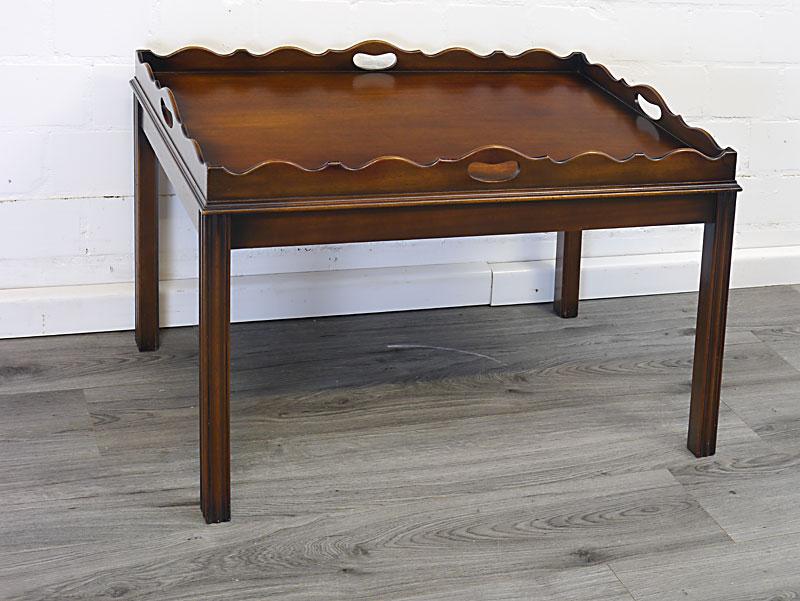 Englischer Tabletttisch aus Mahagoni
