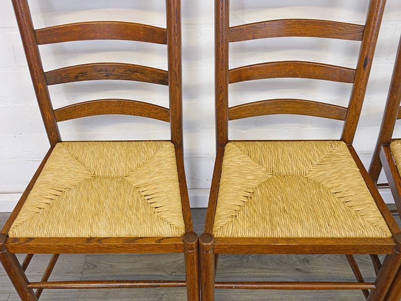 Draufsicht auf 2 Sitzflächen