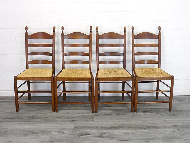 4 Stühle aus Eiche