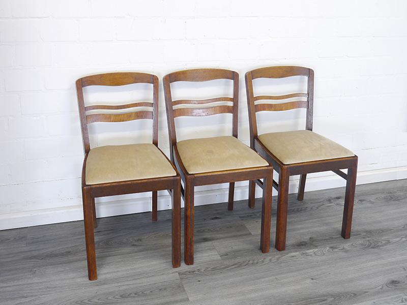 3 alte Stühle aus Eiche