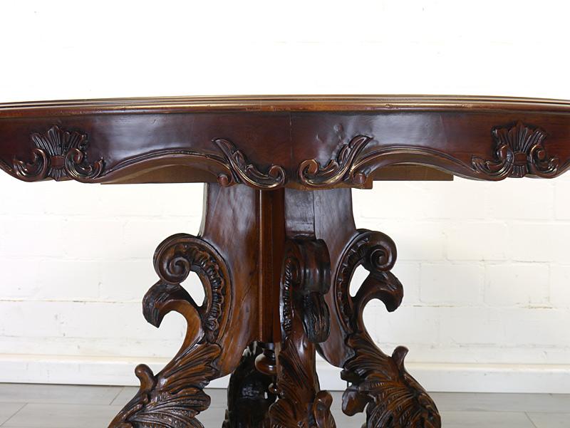 Detailansicht von der Tischzarge