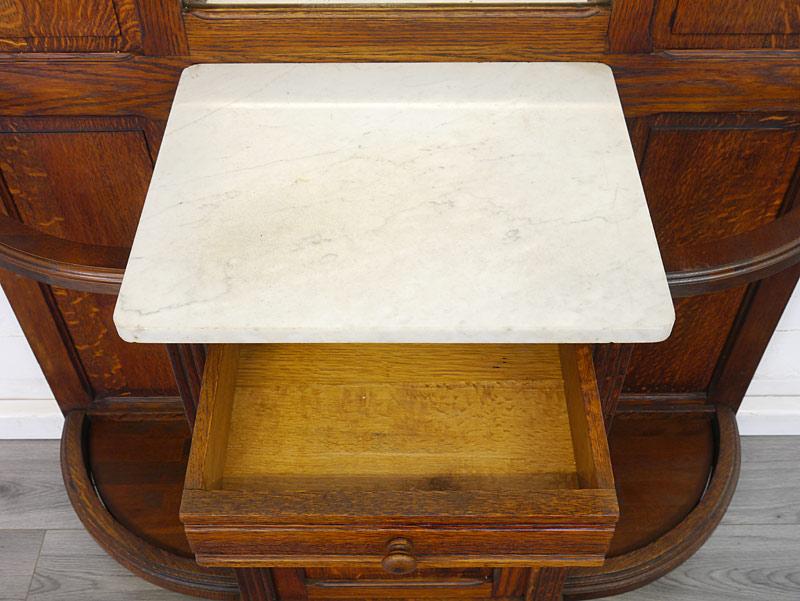 Draufsicht auf die weiße Marmorplatte
