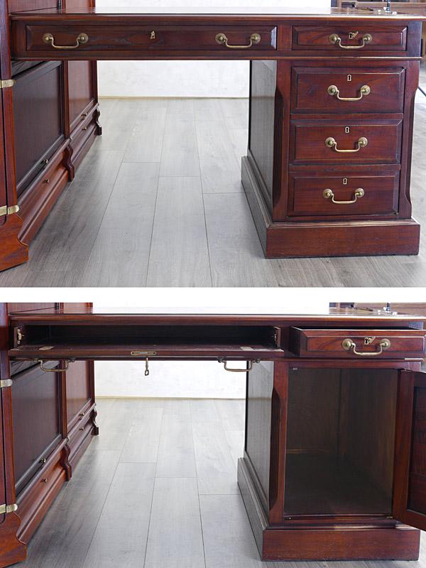 Frontansichten von dem Schreibtisch
