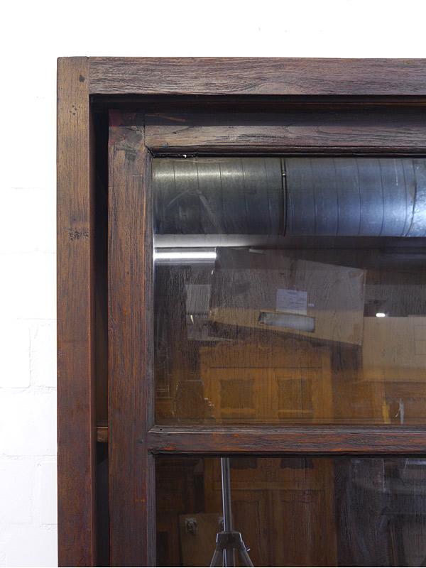 Detailansicht von der geschlossenen Schiebetür