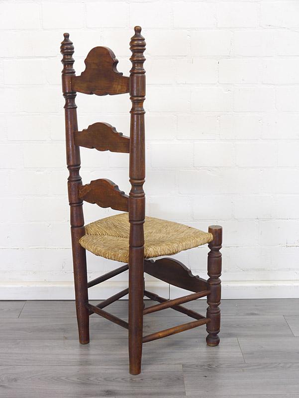 ländlicher Stuhl Rückseite