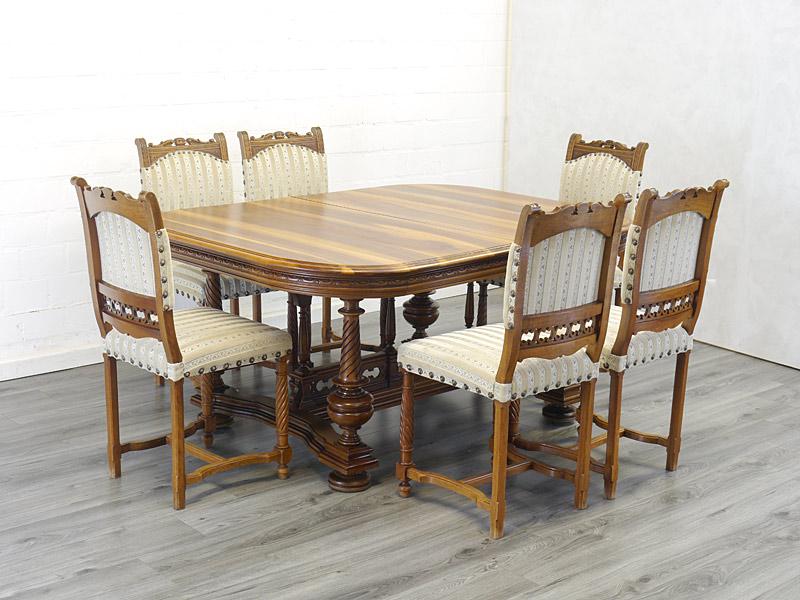 Esszimmer Tischgruppe antik aus Nussbaum